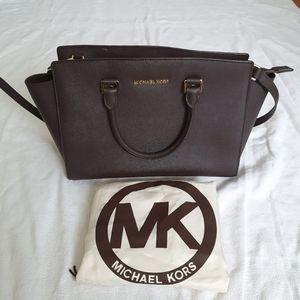 Auth Michael Kors Selma Medium Saffiano Leather